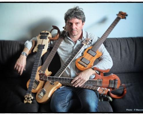 olivier-louvel-guitare-de-voyage