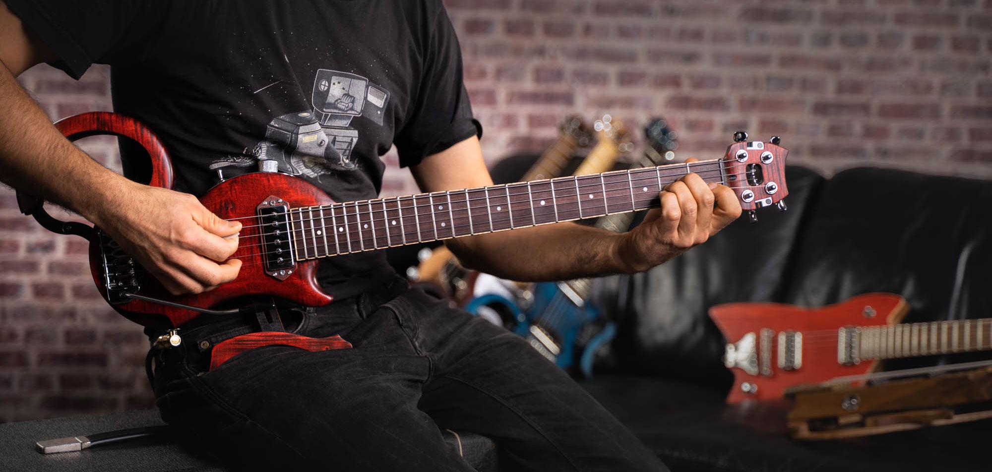 guitare de voyage - travel guitar