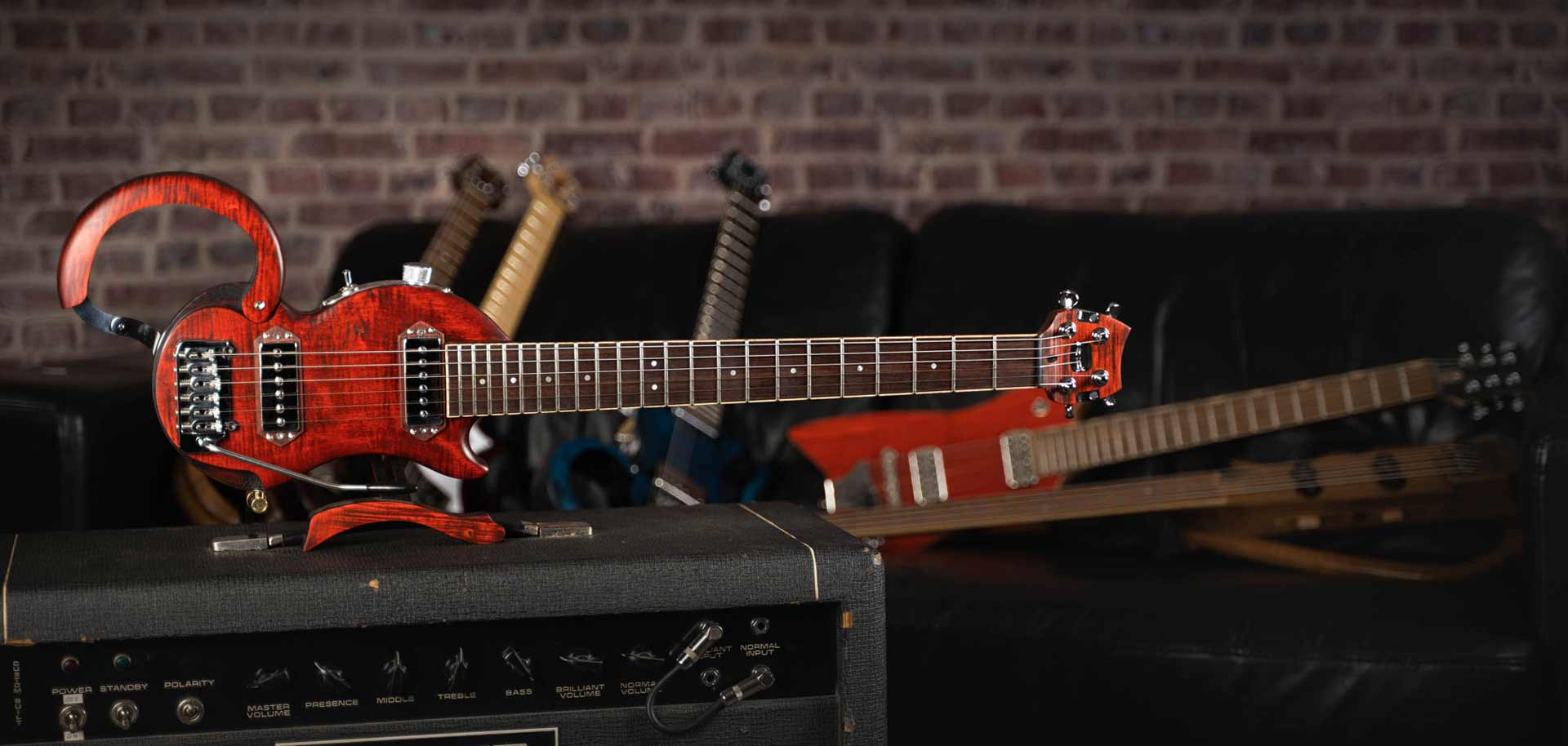 guitare-de-voyage-electrique-electric-travel-guitar