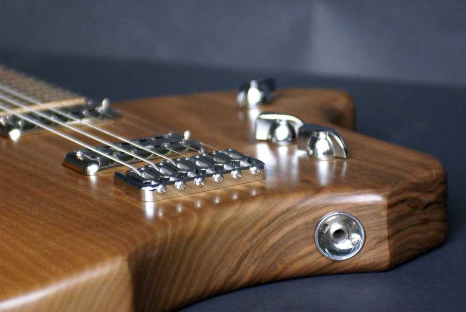 guitare-ergonomique-type-klein