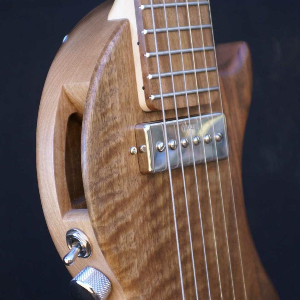 guitare-acoustique-hybride-voyage-tourbus-acoustic