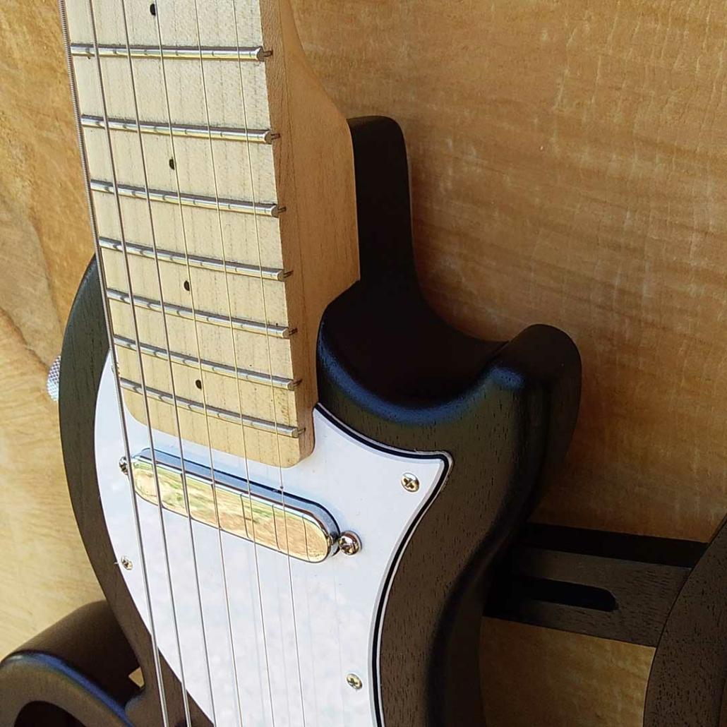 guitare-de-voyage-telecaster-gaucher