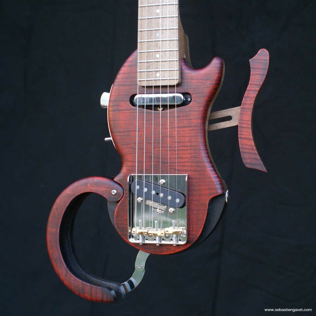 guitare-voyage-telecaster-rouge-tourbuscaster